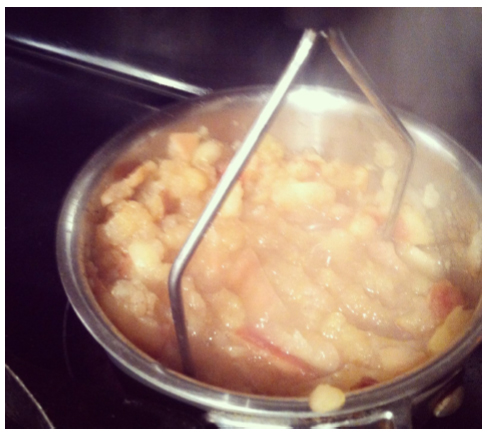 apples in pot 2
